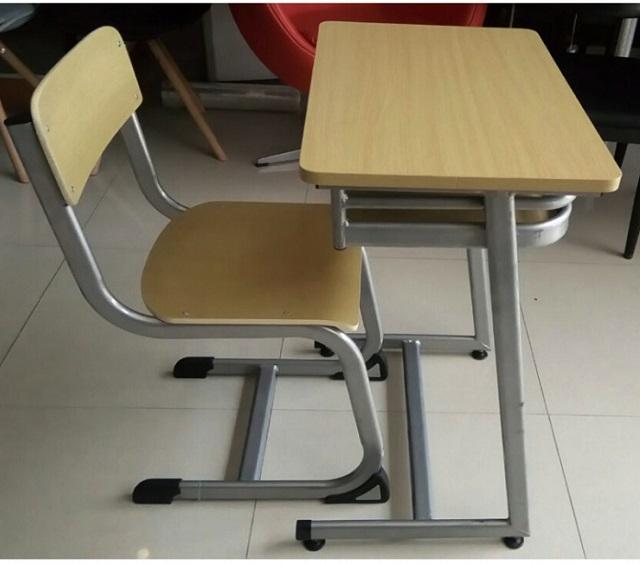 Ghế học sinh Lương Sơn sản xuất theo kích thước chuẩn của Bộ y tế