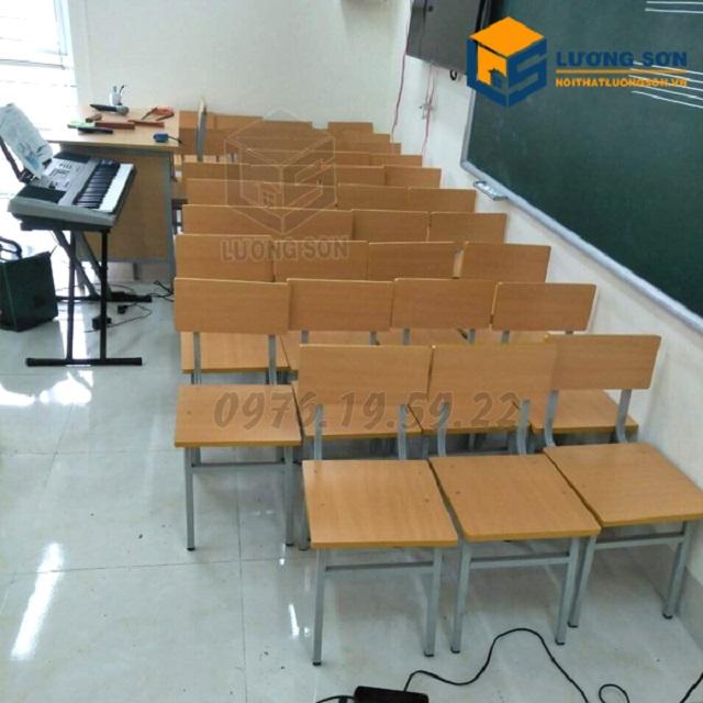 Ghế học sinh tại Lương Sơn được sử dụng cho trường học đạt chuẩn kích thước