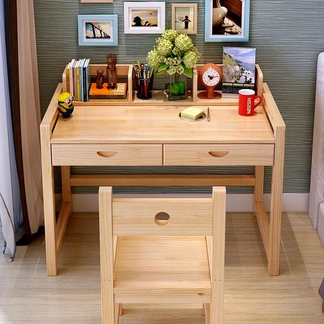 Chất liệu bàn của học sinh nên sử dụng loại gỗ công nghiệp MDF có phủ Melamine giá thành rẻ độ bền cao