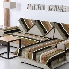 Tại sao nên sử dụng thảm trải ghế sofa?
